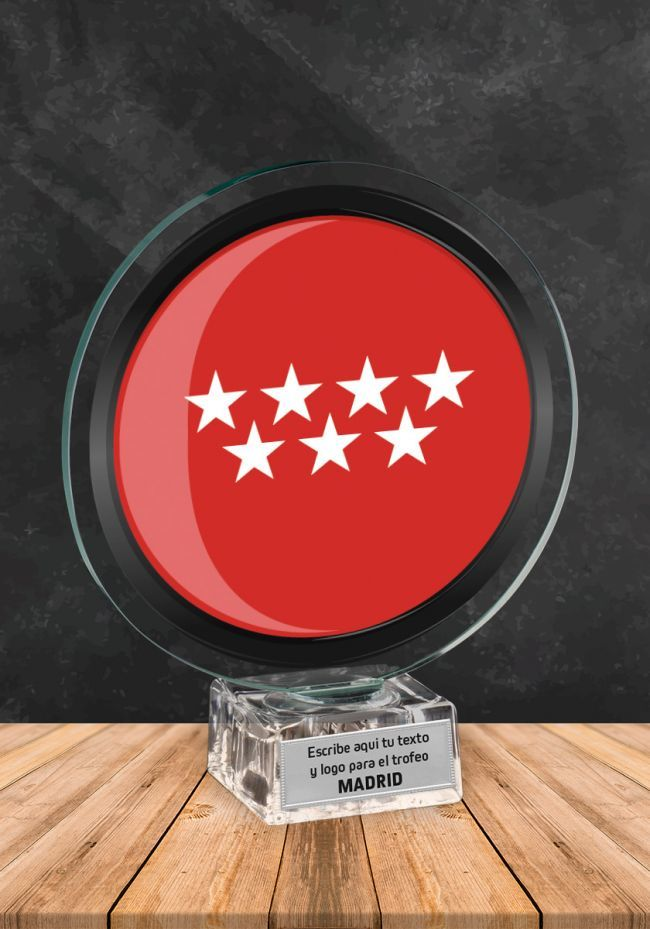 Trofeo de cristal con imagen de Madrid