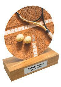 Trofeo de metacrilato y base de madera de Tenis