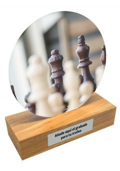 Trofeo de metacrilato y base de madera de Ajedrez