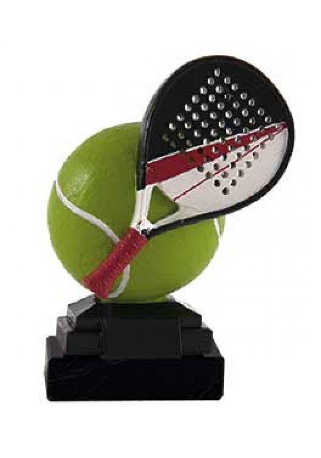Trofeo raqueta apoyada en pelota a color
