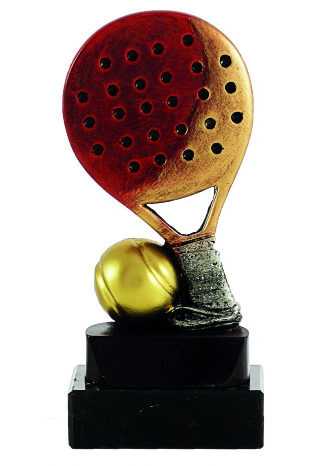Trofeo de pádel raqueta con pelota