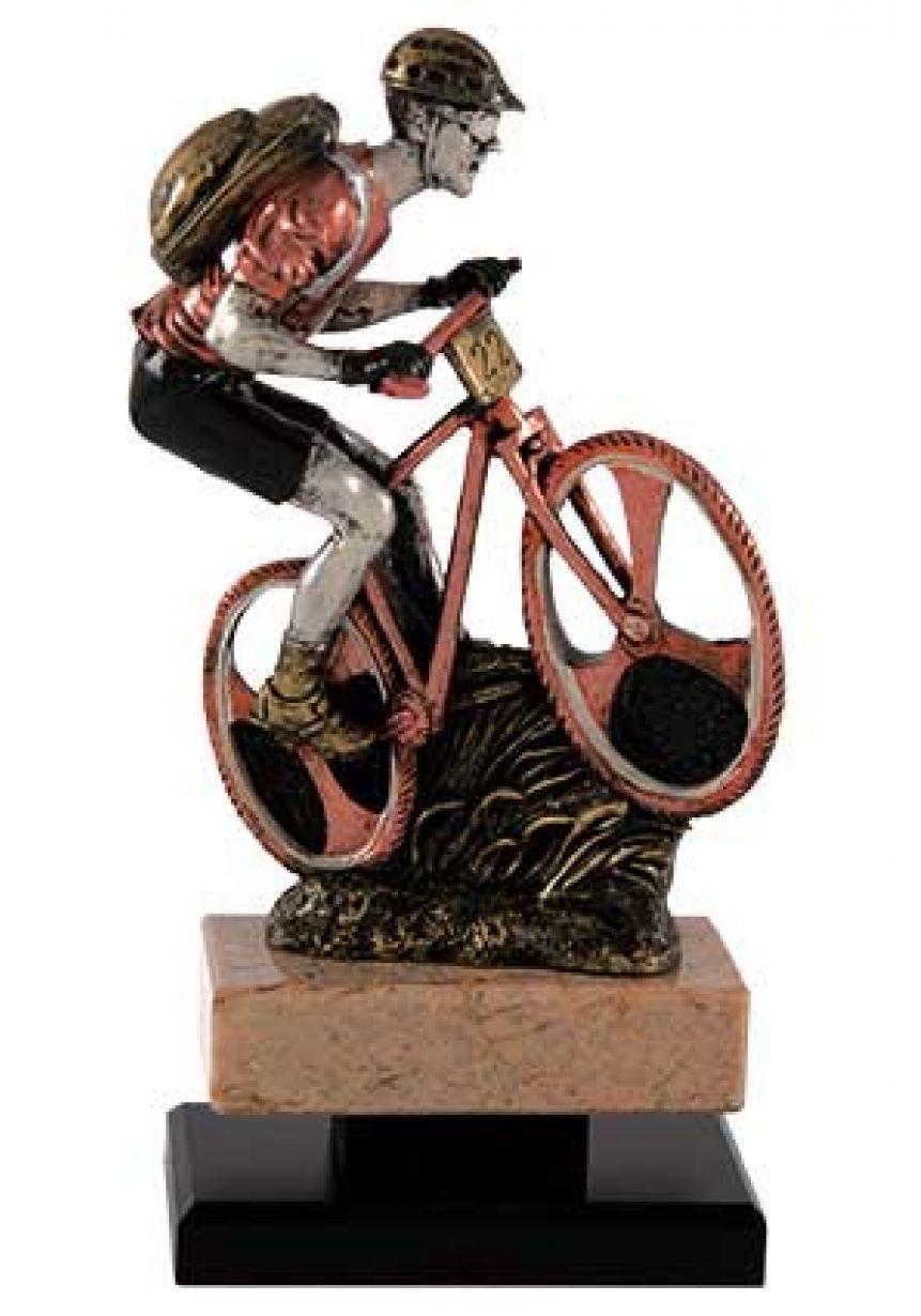 Trofeo figura mountainbike con mochila