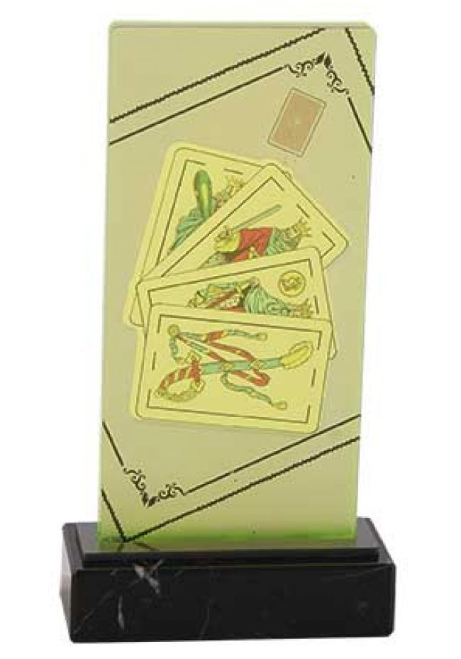 Soporte vertical con foto de cartas