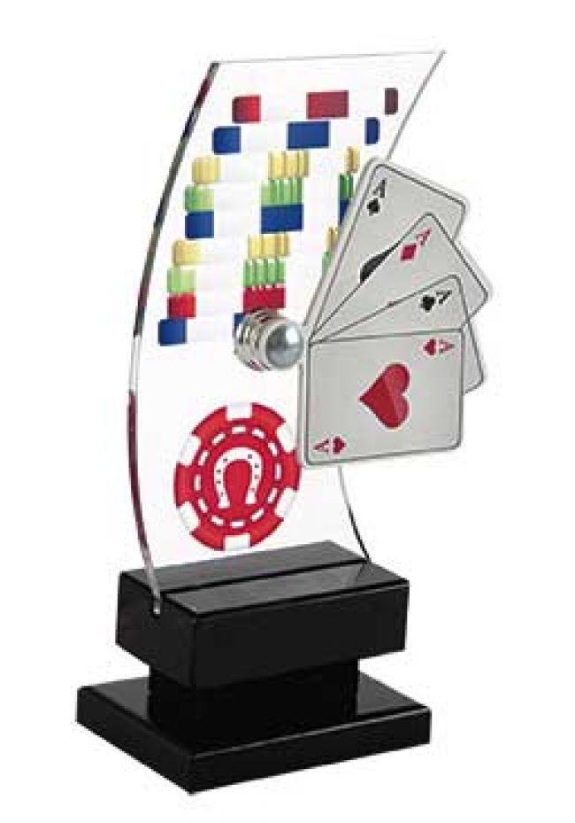 Trofeo de Cartas con partida de poker
