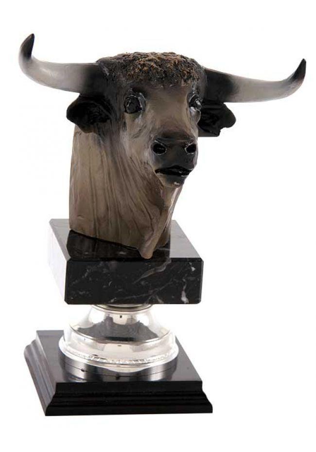 Cabeza de toro en resina