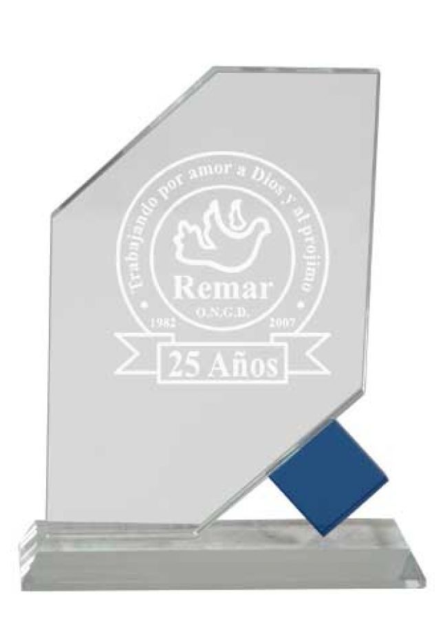 Trofeo de cristal detalle azul base rectangular