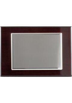 placa de homenaje banado en plata con forma rectangular y marco doble 11
