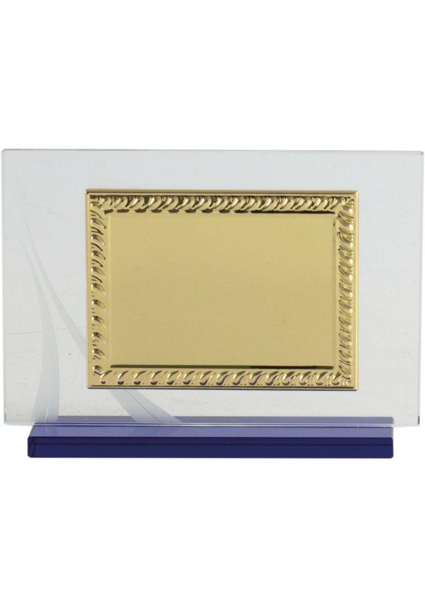 Placa de homenaje cristal en forma rectangular con marco labrado dorado y columna plateada en el lateral