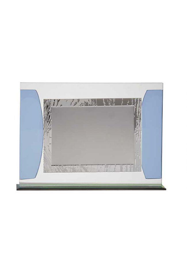 Placa homenaje cristal en forma rectangular con dos detalles laterales azul