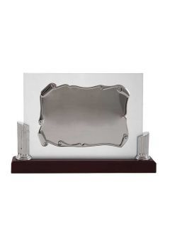 Placa de homenaje cristal en forma pergamino con dos columnas laterales